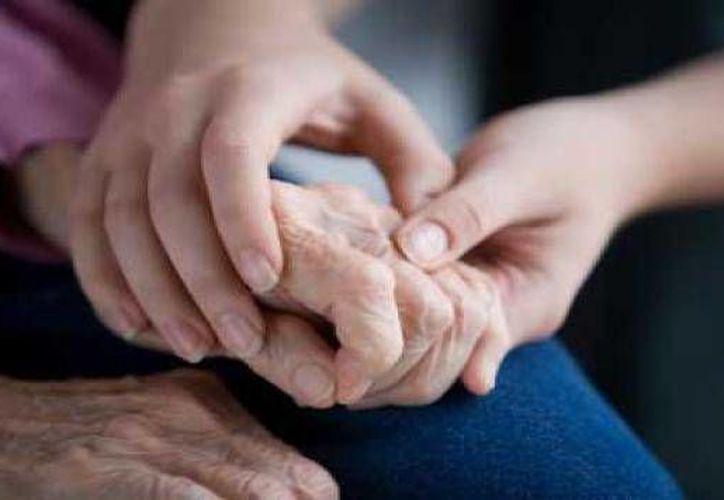 """Además de beneficiar a enfermos de Parkinson, """"el tratamiento también puede ser replicado en personas con diagnóstico de piernas inquietas o autismo"""". (algoqueinformar.com)"""