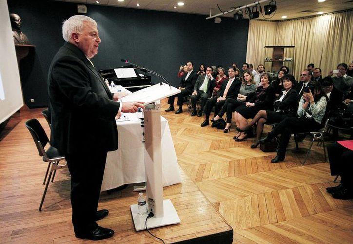 Chuayffet dijo que la reforma contempla la transformación de las escuelas normales. (Notimex)