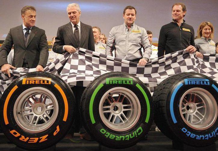 Pirelli decidió cambiar las mezclas duras después de evaluar lo sucedido en los primeros Grandes Premios del año. (EFE)