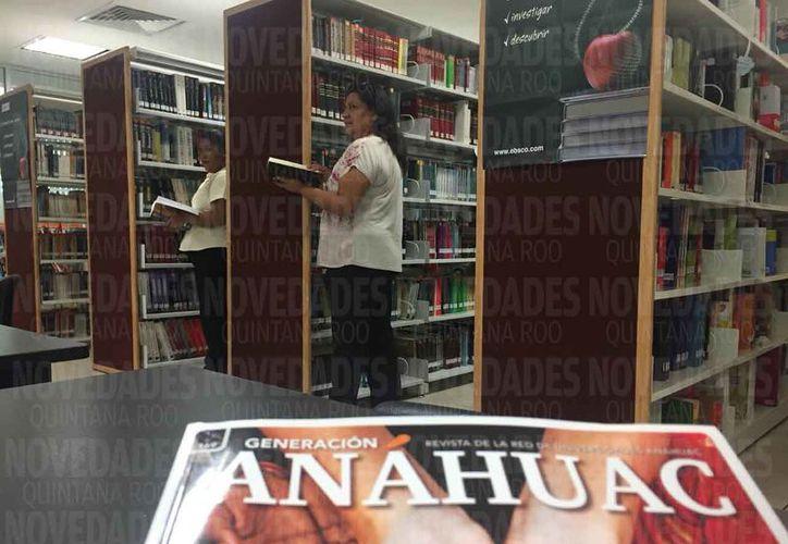 La biblioteca de la Universidad Anáhuac tiene el acervo más actualizado en Cancún. (Redacción)