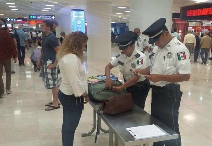 Elementos de la Policía Federal han detectado una red de prostitución en el aeropuerto. (Eric Galindo/SIPSE)