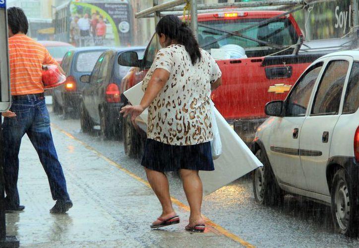 La zona de perturbación ocasionó lluvias anoche. (José Acosta/SIPSE)