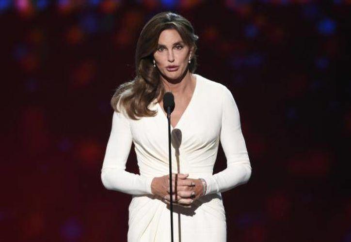 Caitlyn Jenner es sin duda alguna, una de las celebridades más controvertidas del 2015. Con un cambio de género, un programa de televisión, varios reconocimientos y muchos detractores debido a su cambio de género. (Archivo AP)