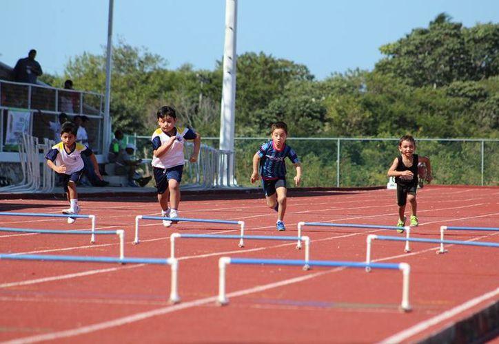 La Intención de este tipo de eventos es seguir promoviendo el Atletismo entre los niños y jóvenes. (Miguel Maldonado/SIPSE)