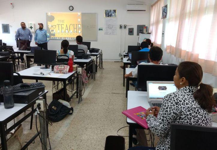 Por no presentar esta evaluación fueron dados de baja 29 docentes. (Alejandra Carrión/SIPSE)