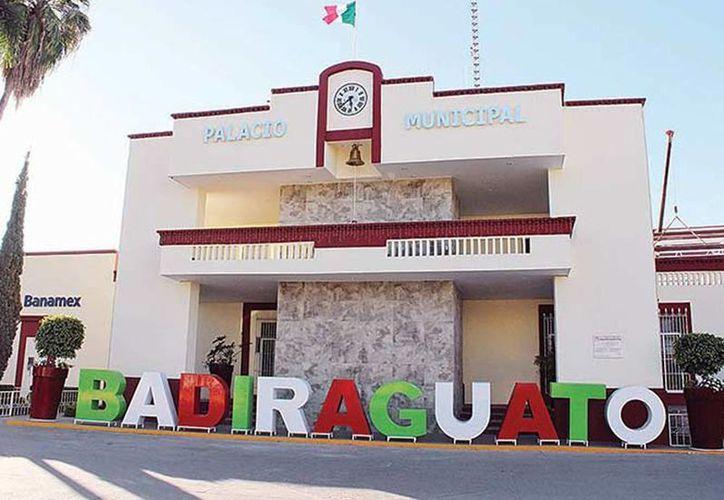 Imagen del Palacio Municipal de  Badiraguato, lugar de origen del líder del cártel del Pacífico. Operativos de la Marina aún continúan en Sinaloa. (Excelsior)
