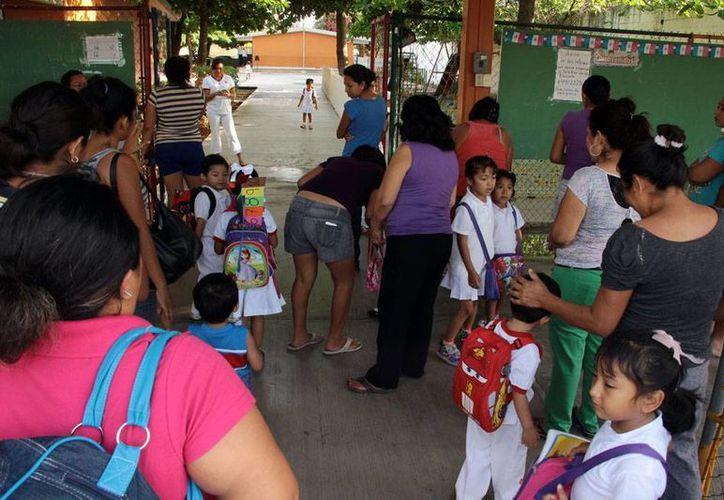 El regreso a clases en Yucatán, tras las vacaciones de Semana Santa, registró hasta 15 por ciento de ausentismo laboral. (Milenio Novedades)