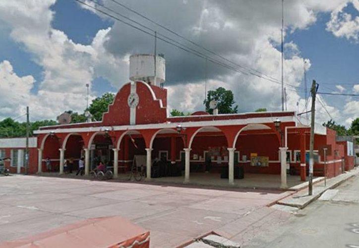La FGE abrió una carpeta de investigación en contra de Isaías Salomón García Aguayo por los delitos de violencia y discriminación, tipificados como graves en el Código Penal del Estado de Yucatán. Imagen de contexto de Ayuntamiento de Samahil. (Google Maps)