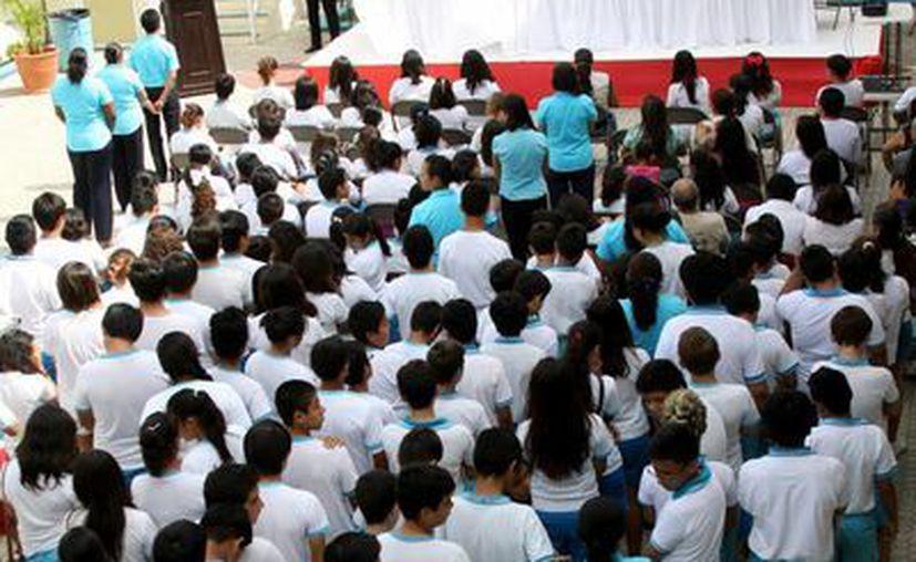 Ayer se instaló el Comité Juvenil para una Vida sin Drogas.  (Adrián Monroy/SIPSE)