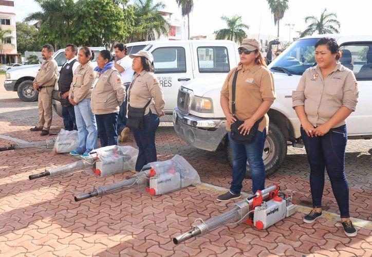 El lunes inició una campaña de dos semanas para combatir al mosquito Aedes Aegypti en la Riviera Maya. (Adrián Barreto/SIPSE)