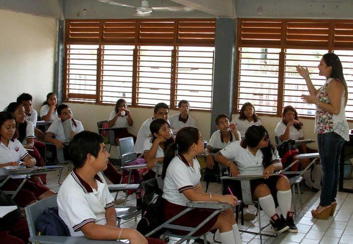 Los estudiantes de primaria que obtuvieron mayor puntaje tras ser evaluados, visitarán al presidente de México. (Octavio Martínez/SIPSE)