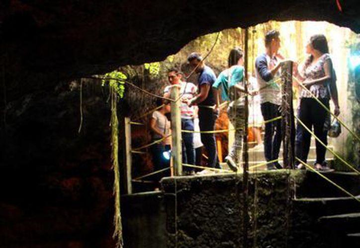 De los 145 cenotes que se encuentran en Mérida, solo 15 están abiertos al público. Imagen de archivo. (José Acosta/SIPSE)