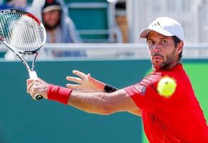 Fernando Verdasco tuvo que remontar ante el tenista australiano. (miamidiario.com)