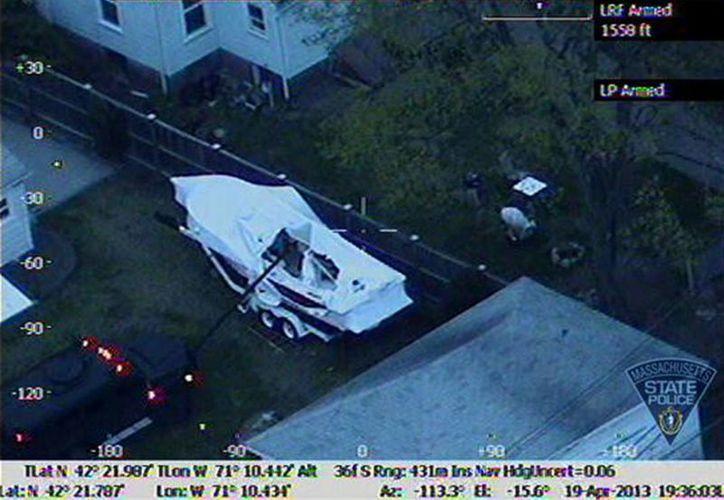 La Policía de Boston difundió imágenes donde puede verse el escondite de  Dzhokar Tsarnaev. (Agencias)