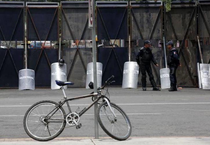 Los policías cuidarán la seguridad del mitin donde sea que este se lleve a cabo. (Agencias)