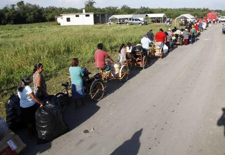 En Calderitas han participado en la recolección de residuos sólidos. (Redacción/SIPSE)