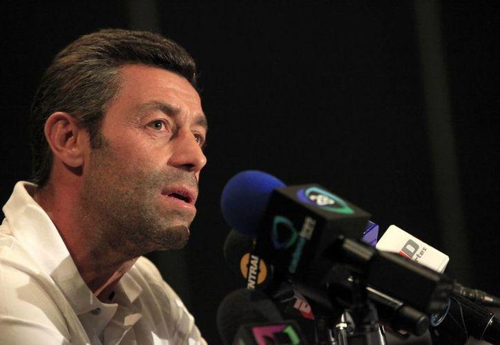 Pedro Caixinha dijo adiós al equipo de Santos Laguna, en la foto el portugués durante una conferencia de prensa, previo a un duelo de  la Liga MX. (Notimex)