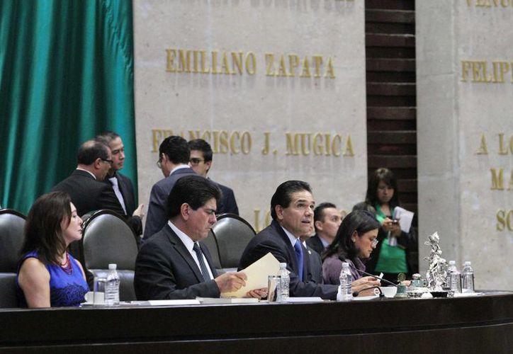 El diputado Silvano Aureoles también informó de la entrada en vigor del Código Nacional Penal en el estado de Zacatecas. (Notimex)