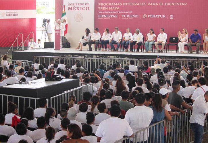 El presidente de México durante su discurso en Playa del Carmen. (Redacción/SIPSE)