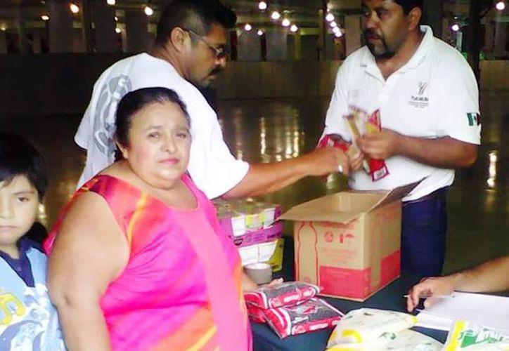 Invitan a que la ciudadanía se una y contribuya donando alimento o artículos de salud e higiene personal en el DIF Yucatán. (SIPSE)