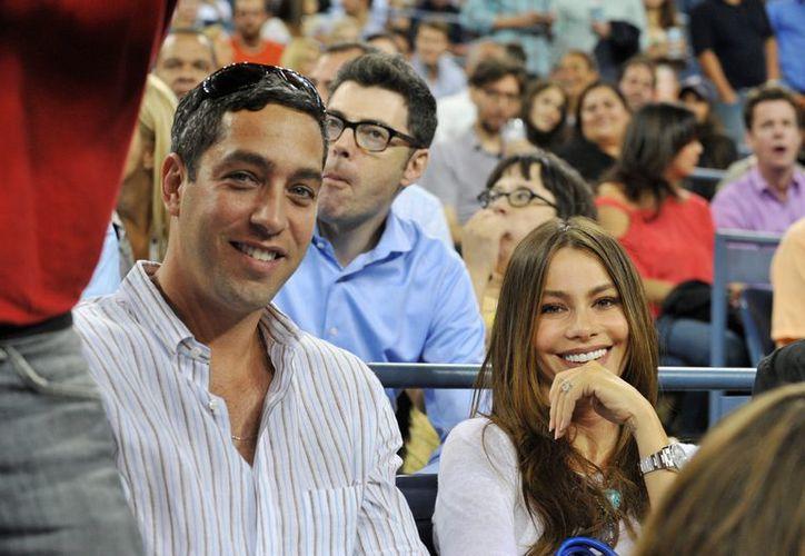 En la imagen, la actriz colombiana Sofia Vergara y su prometido Nick Loeb. (EFE/Archivo)