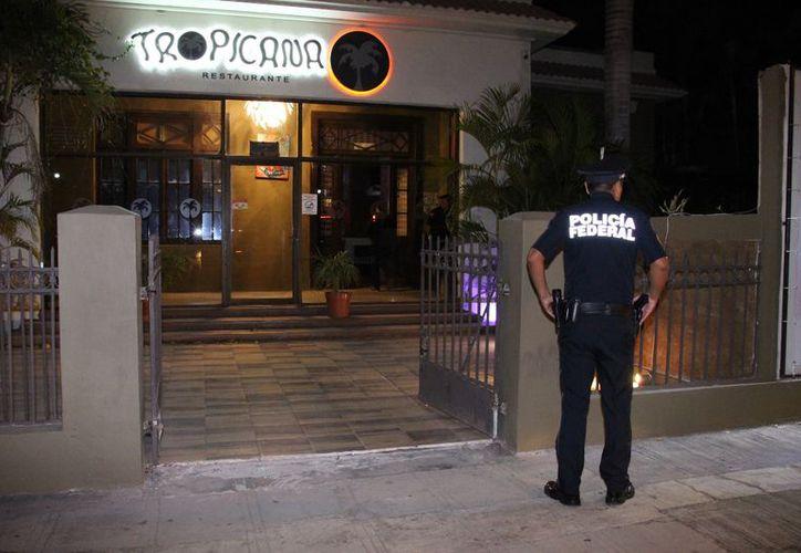 Personal del Instituto Nacional de Migración realizó operativos en bares meridanos, como prevención de trata de personas. (SIPSE)