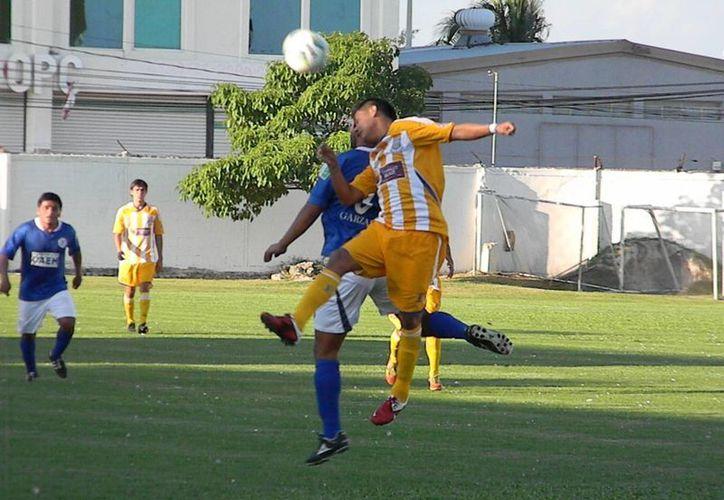 Ya sea jugando de local o como visitante, los Pioneros de Cancún han iniciado a tambor batiente la temporada de la Segunda División. (Ángel Mazariego/SIPSE)
