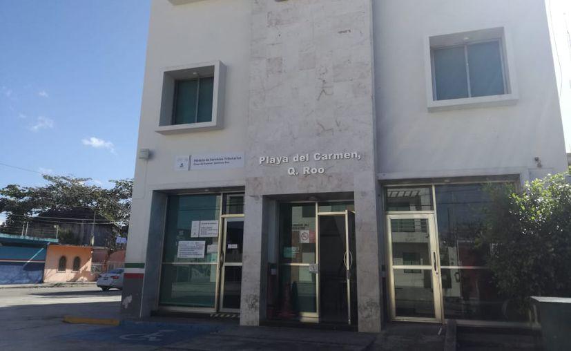 El recorte de personal ha provocado que las oficinas quedarán sin empleados para atender a los contribuyentes. (Adrián Barreto/SIPSE)
