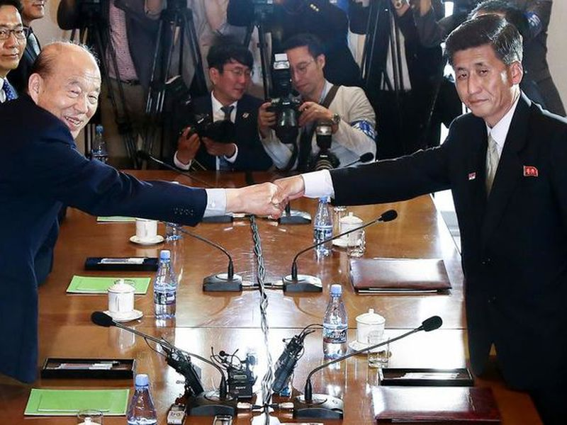 Rival Koreas agree to August reunions of war-split families