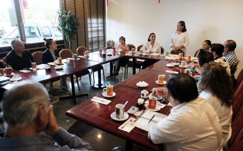 La candidata al Senado de la República, Marybel Villegas Canché se reunió con asociaciones civiles de distintos rubros. (SIPSE)