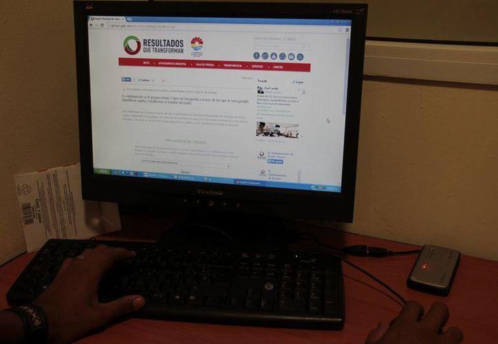 En promedio el portal municipal recibe cuatro mil visitas diarias. (Tomás Álvarez/SIPSE)