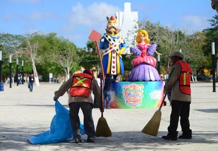 Si bien este miércoles inician oficialmente los festejos del Carnaval, no será sino hasta el viernes cuando se utilicen las instalaciones de Xmatkuil. (Luis Pérez/SIPSE)
