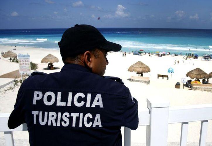 Esta policía turística no sustituirá la labor que hace la que ya existe en el caso de Cancún. (Foto: Contexto/Internet)