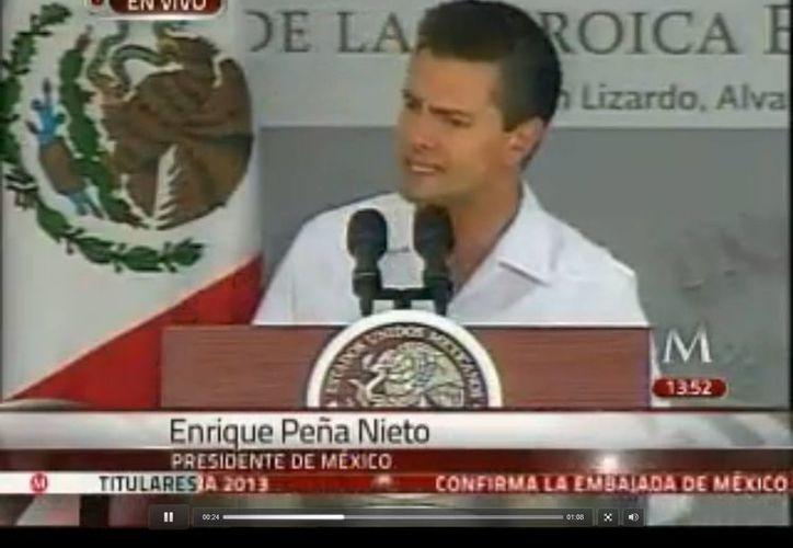 Peña Nieto encabezó la  ceremonia de graduación de los guardiamarinas de la Heroica Escuela Naval Militar.   (Captura de pantalla de video)