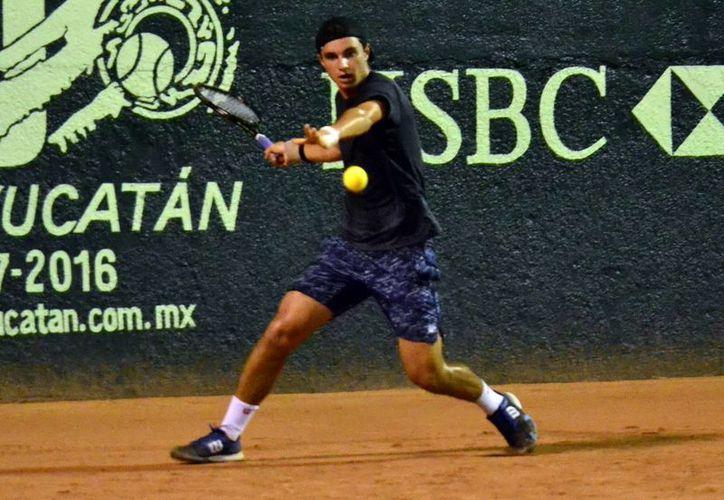 El israelí Yshai Oliel venció en tres sets al portugués Duarte Vale y lo dejó fuera en las semifinales del torneo de tenis.(Daniel Sandoval/Milenio Novedades)