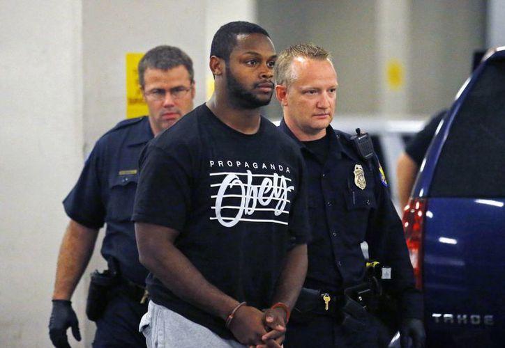 Una de las probables víctimas del jugador de futbol americano Jonathan Dwyer es un bebé de 18 meses. (Foto: AP)