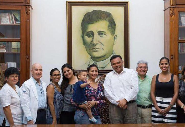 El Gobernador se reunió con las personas que impulsan el movimiento 'Yucatán AMAmanta'. (Milenio Novedades)