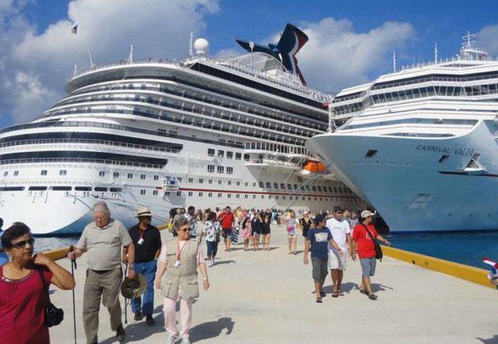 Turistas visitarán los diversos atractivos con los que cuenta la isla de Cozumel. (Redacción/SIPSE)