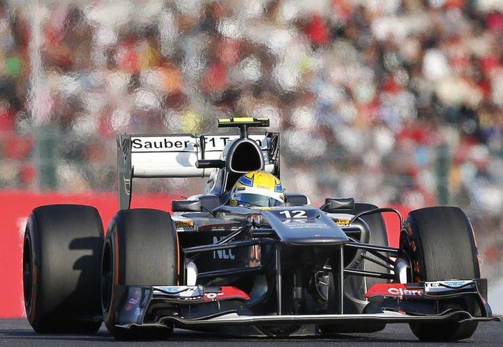 El piloto mexicano hizo olvidar, al menos por hoy, a Sergio Pérez, quien se supone es la estrella mexicana en la F1. (Agencias)