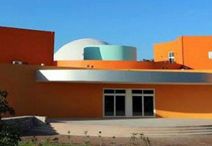 El Planetario de Playa del Carmen 'Sayab' ofrecerá el curso a 40 personas. (Redacción/SIPSE)