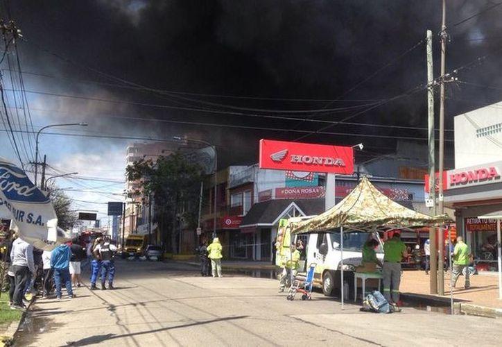 De acuerdo con información preliminar, el fuego se habría iniciado en la cocina por motivos que se desconocen. (RT)