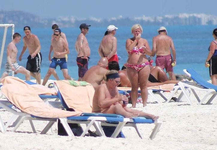 Llegaron a Cancún, un total, 333 mil 818 pasajeros durante el año pasado. (Foto: Contexto/SIPSE)