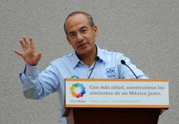 Rolando Zapata es el tercer gobernador yucateco que recibe al presidente Calderón desde el inicio de su gestión en 2006. (Notimex)