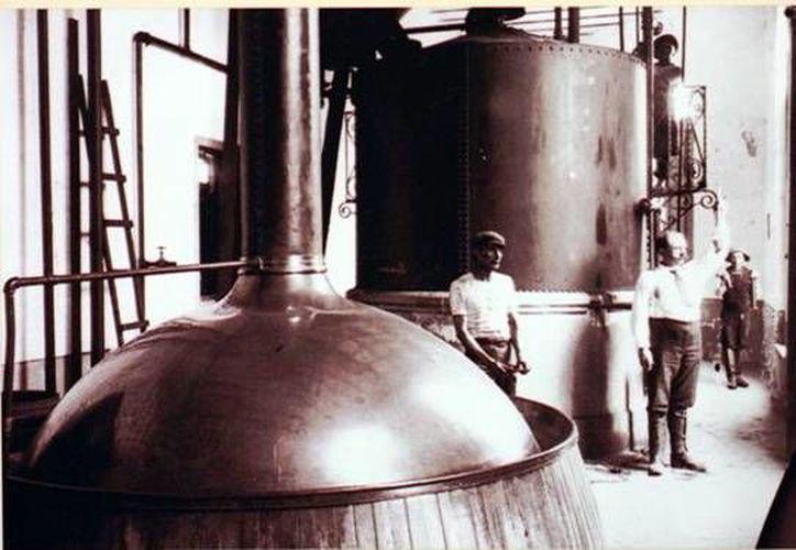 La Cervecería Yucateca tuvo su primera planta en el barrio de Santiago. (Milenio Novedades)