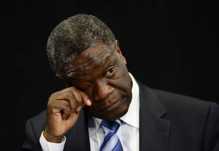 La Eurocámara premia la labor del médico Denis Mukwege por las mujeres africanas.  El ginecólgo se impuso al movimiento ucraniano EuroMaidan. (EFE)