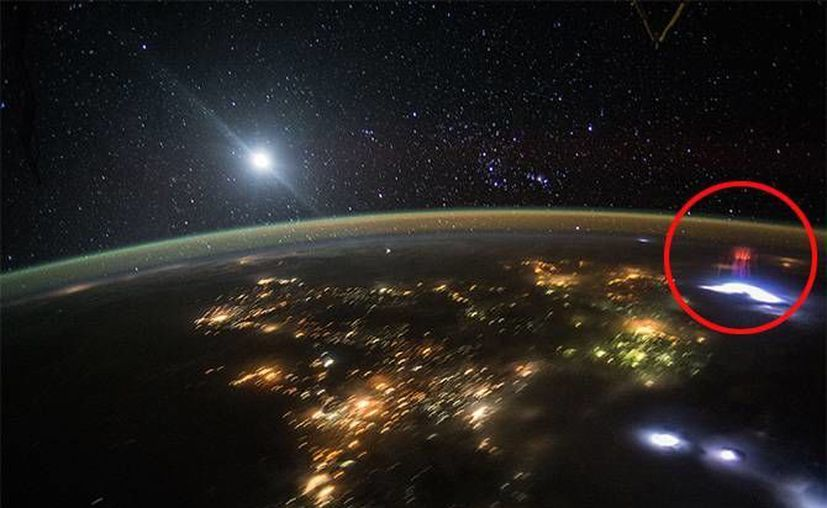 La imágenes de la NASA que muestran el espectro sobre México, fueron tomadas el pasado 10 de agosto. (NASA)