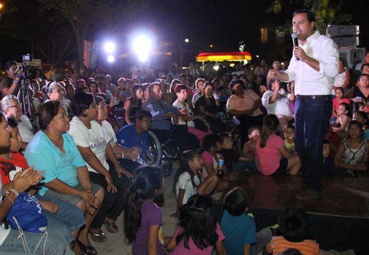 Mauricio Vila, candidato del PAN a la alcaldía, continúa sus actos proselitistas por diversos puntos de Mérida. (SIPSE)