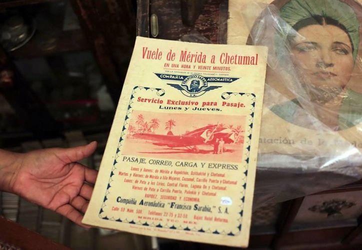 Las galerías rescatan los objetos antiguos, como el volante de la fotografía, para la gente que los aprecia. (Milenio Novedades)