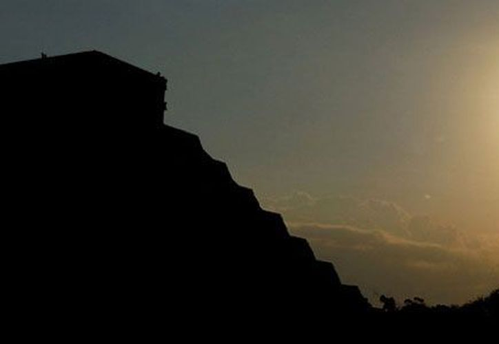 Los movimientos de rotación y traslación de la Tierra serán abordados en el documental sobre los mayas. (Notimex)