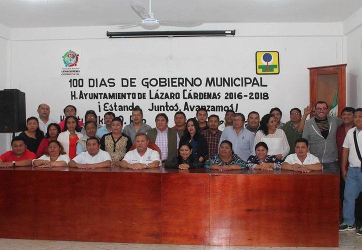 El alcalde rindió su informe ante las autoridades municipales. (Raúl Balam/SIPSE)